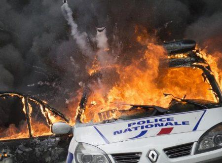 Francia – Incendiati veicoli in solidarietà ai prigionieri anarchici italiani