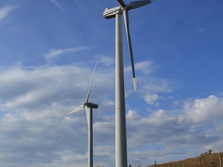 Izenave (Ain) [Francia]: L'eolico, la guerra e la pace (03/08/2018)