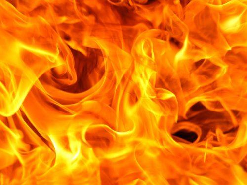 Santiago [Cile]: Incendiato autobus della Transantiago (10/08/2018)