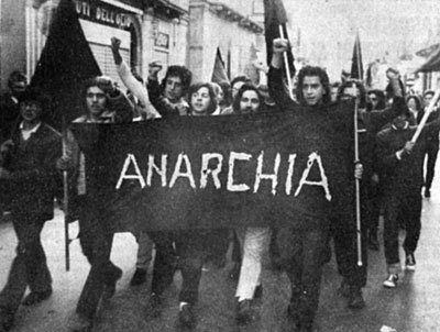 Grecia: Dichiarazione per la Settimana internazionale di Solidarietà con i prigionieri anarchici (23/08/2017)