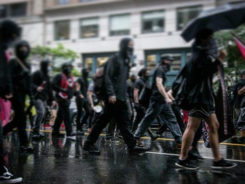 Brasile: Invito per una Fiera di Materiale Indipendente – Attività per la Sesta Settimana Internazionale per Prigionieri Anarchici