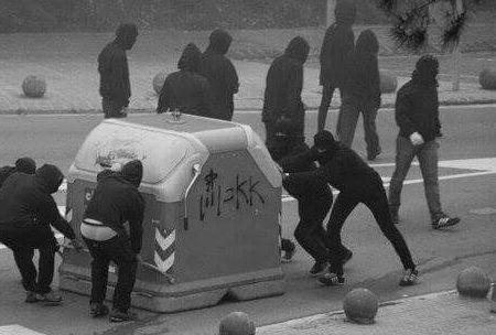Napoli – Report sull'udienza per l'arresto di 20 compagni e il sequestro di due spazi anarchici