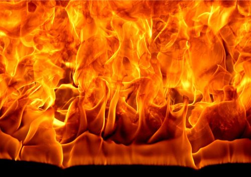 Genova – Incendiati ripetitori