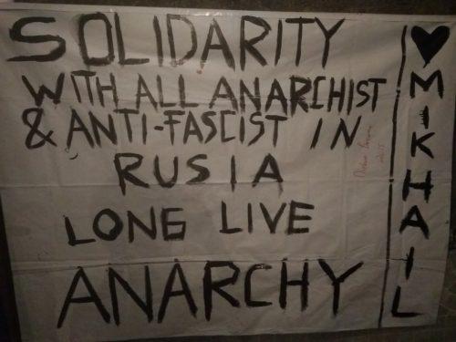 Yogyakarta, Indonesia: Striscione di solidarietà con gli anarchici e antifascisti in Russia