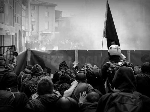 Contrastare la repressione: riflesso condizionato o moto proprio?
