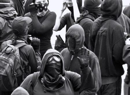 Grecia – Lo Stato greco ha iniziato gli sgomberi di edifici occupati da anarchici e persone migranti nel quartiere di Exarcheia