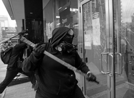 Grecia – Condannato l'anarchico Dinos Giagtzoglou