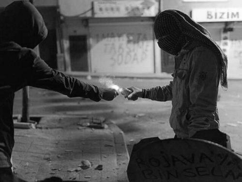 Solidarietà da Genova ai compagni di Bologna