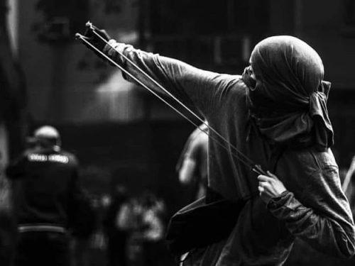 """""""En la cuerda floja"""" Spunti e considerazioni da e per lo scontro anarchico – Un testo di Francisco Solar"""
