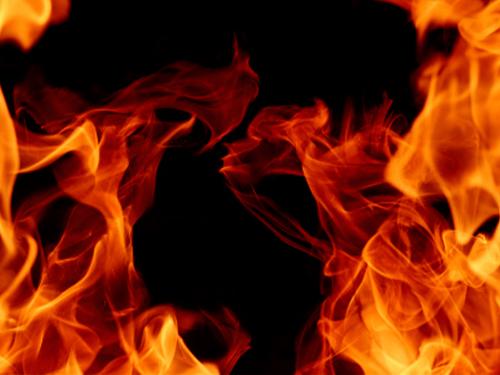 Salonicco, Grecia – Rivendicazione dell'attacco incendiario contro due veicoli di un'agenzia di sicurezza da parte del Nucleo incendiario di solidarietà