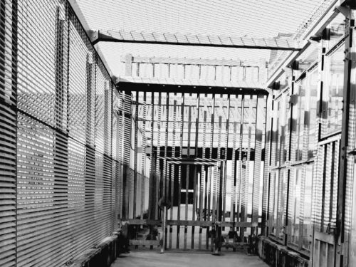 Un anno di lager di Stato, un morto ogni sei mesi nel Cpr di Gradisca