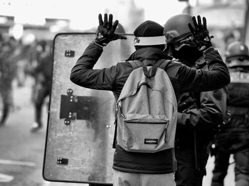 Ala (Trento): Gli unici alieni sono i carabinieri + Volantini